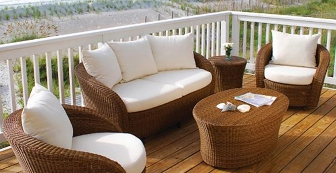 Come pulire i mobili da esterno i consigli di fiorillo for Regalo mobili da giardino